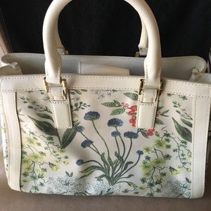 🆕 AUTHENTIC TORY BURCH GARDEN PARTY FLORAL PURSE